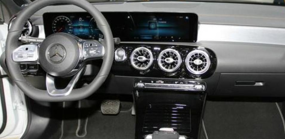 年輕人的第一輛豪車買哪個, 既要牌子又實用性高, 這兩款車你選誰-圖5