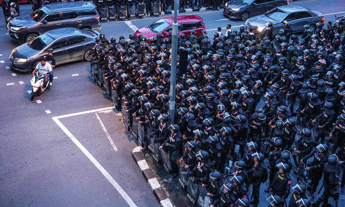 泰國爆發抗議示威活動 要求罷免總理巴育-圖1