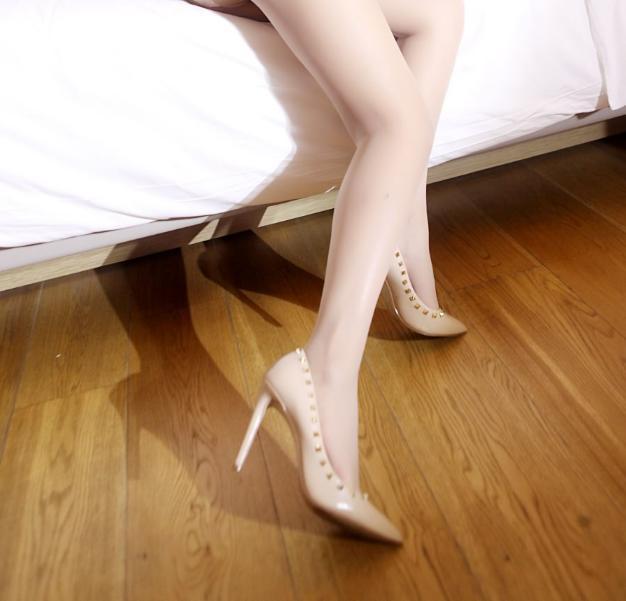 丝袜可以瘦腿, 高跟可以让身材高挑 2