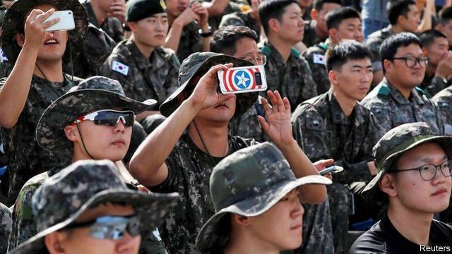 韓國人驚瞭: 不少塔利班戰士身穿韓軍舊制服, 甚至姓名牌都沒撕-圖3