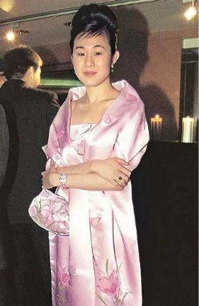 5次拒絕劉鑾雄的求婚, 卻甘願為60歲富翁生孩子, 她到底圖什麼?-圖10