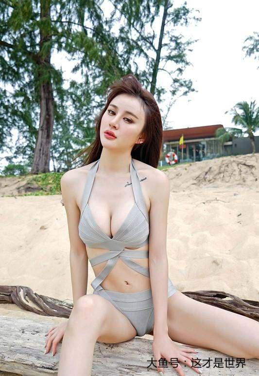 不同的泳衣 相同的时尚