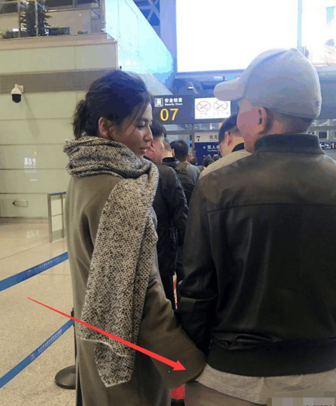 王珂破产一穷二白, 刘涛把手插进老公裤子取暖, 坚守婚姻不离不弃