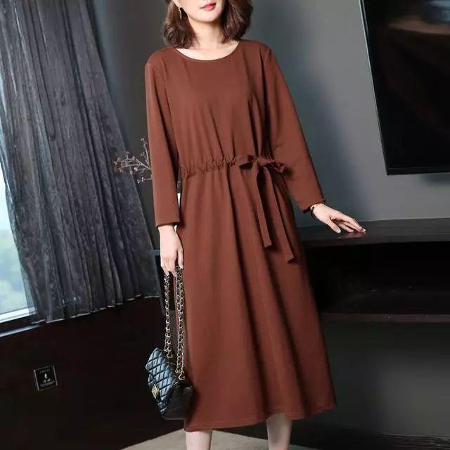 会穿的女人不再穿打底衫或者针织衫, 因为今年流行打底裙, 真洋气 5