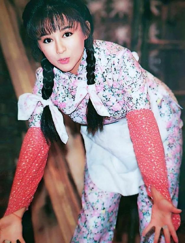 曾經50歲飾演少女紅拂, 驚為天人, 如今單身40年仍然美出圈-圖11
