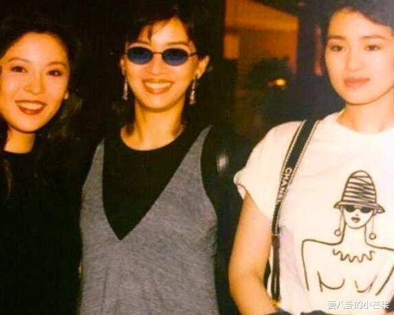 向太鞏俐再次同框, 31年前像姐妹, 31年後像母女, 這就是闊太與女星的區別-圖4