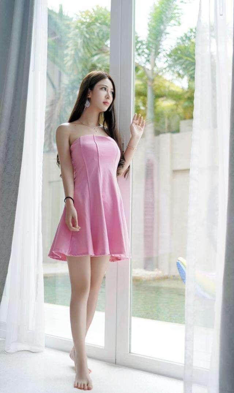 长腿粉色短裙女神, 皮肤白皙 唯美气质 2