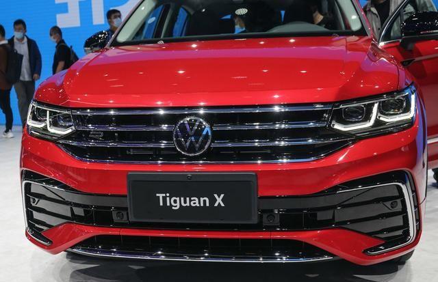 大眾途觀X采用溜背設計, 車型定位於中型SUV, 搭載2.0T排量-圖4
