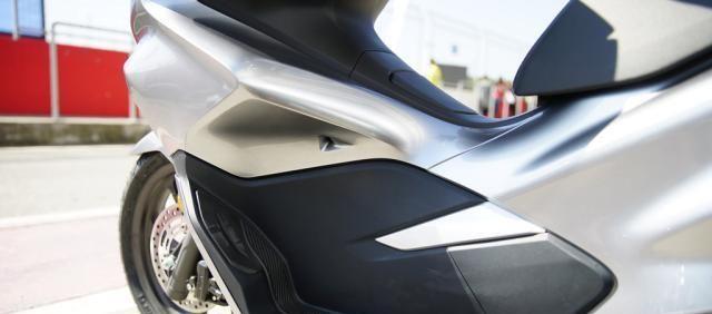 本田最新踏板標桿車, 149CC水冷, 百公裡油耗1.9L, 2.699萬值嗎?-圖13