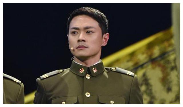曹俊參加綜藝引爭議: 童星出身, 除瞭與藍盈瑩的戀情, 毫無存在感-圖1