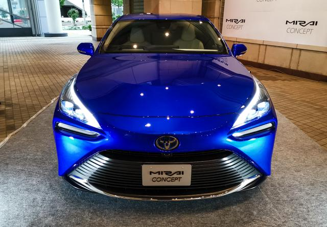 豐田全新B級車曝光, 比雷克薩斯ES更寬, 配一體式貫穿大屏-圖4