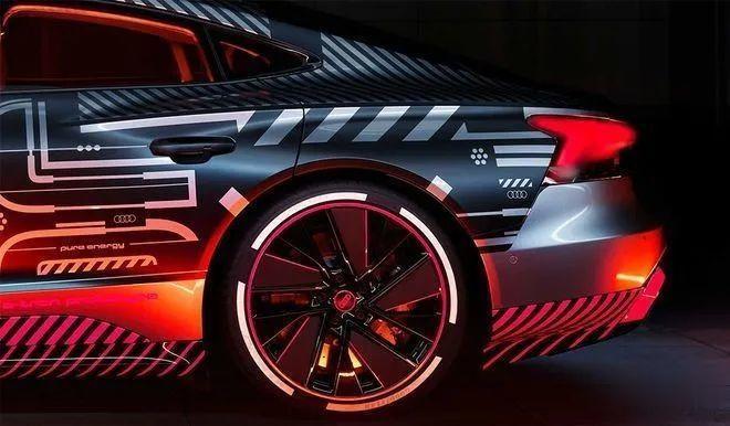 3秒內破百, 奧迪e-tron GT RS將與保時捷Taycan采用同平臺打造-圖13