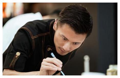 謝霆鋒時隔4年再拿米其林廚師大獎, 發文稱: 做菜太好玩瞭-圖10