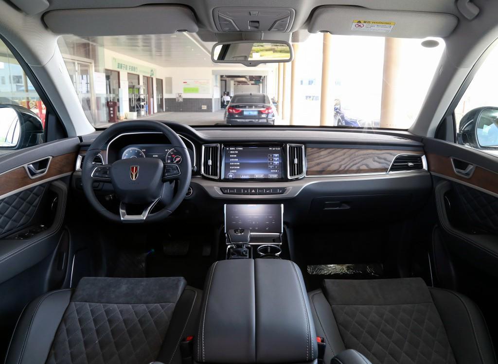 國產同樣優秀, 盤點2款30萬就能買到的大排量6缸SUV-圖3