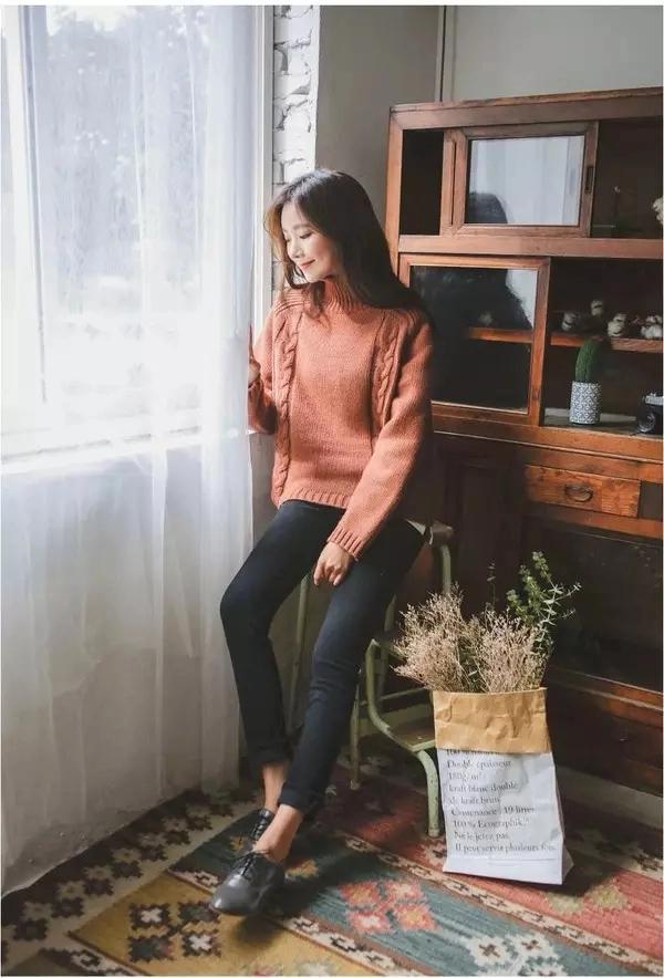 身材娇小不好搭衣? 快来围观时尚博主们是如何在冬季用毛衣凹造型的吧! 2