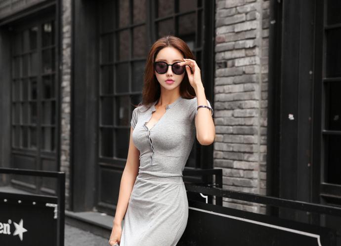 系扣式长款连衣裙, 穿出火辣好身材。 7