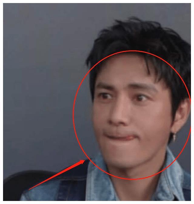 陳坤與李佳琦同框直播, 看清二人膚色對比後, 再也不羨慕冷白皮瞭-圖7