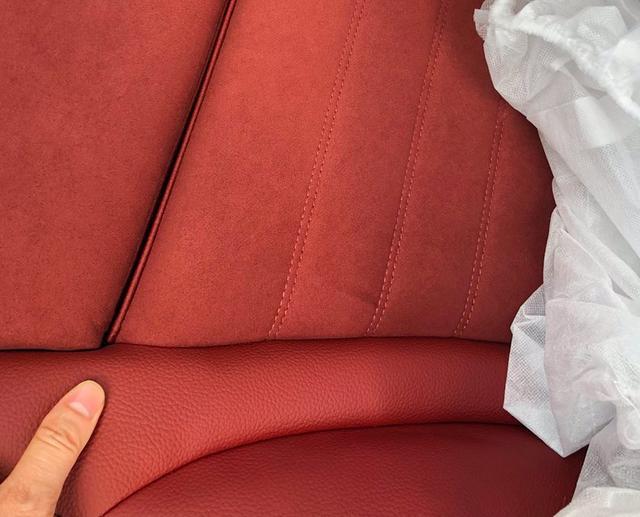 2021款奔馳C級實拍! 寶石藍色車身很洋氣, 售30.78萬元起-圖12