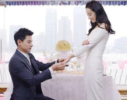 女演員吃火鍋被富豪看中, 從求婚到結婚僅用18天, 婚後過得如何-圖12