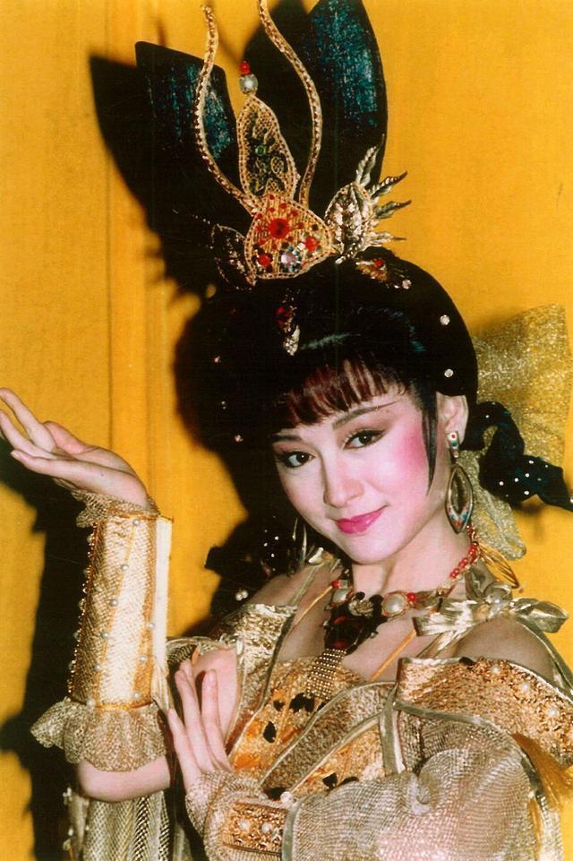 曾經50歲飾演少女紅拂, 驚為天人, 如今單身40年仍然美出圈-圖12
