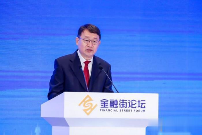 """銀保監會副主席梁濤: 威脅金融安全的""""灰犀牛""""得到瞭控制-圖1"""
