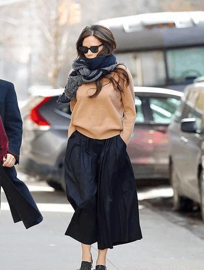 一条纯色围巾的无限混搭, 让你回头率大大增加, 时尚又美丽