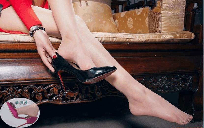 高跟鞋美女美姿秀雅, 又高又直的长腿高挑而充满活力 4