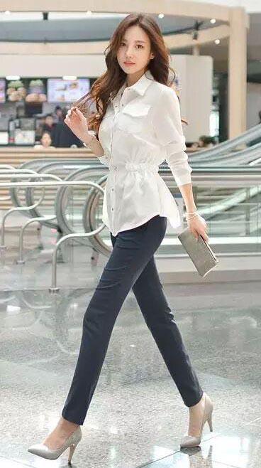 紧身裤可以说是一款美丽清纯的背景, 一个文静端庄的少女 5