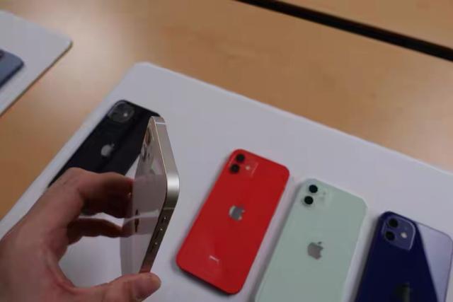 "iPhone12集體""翻車"": 比想象中還醜-圖3"