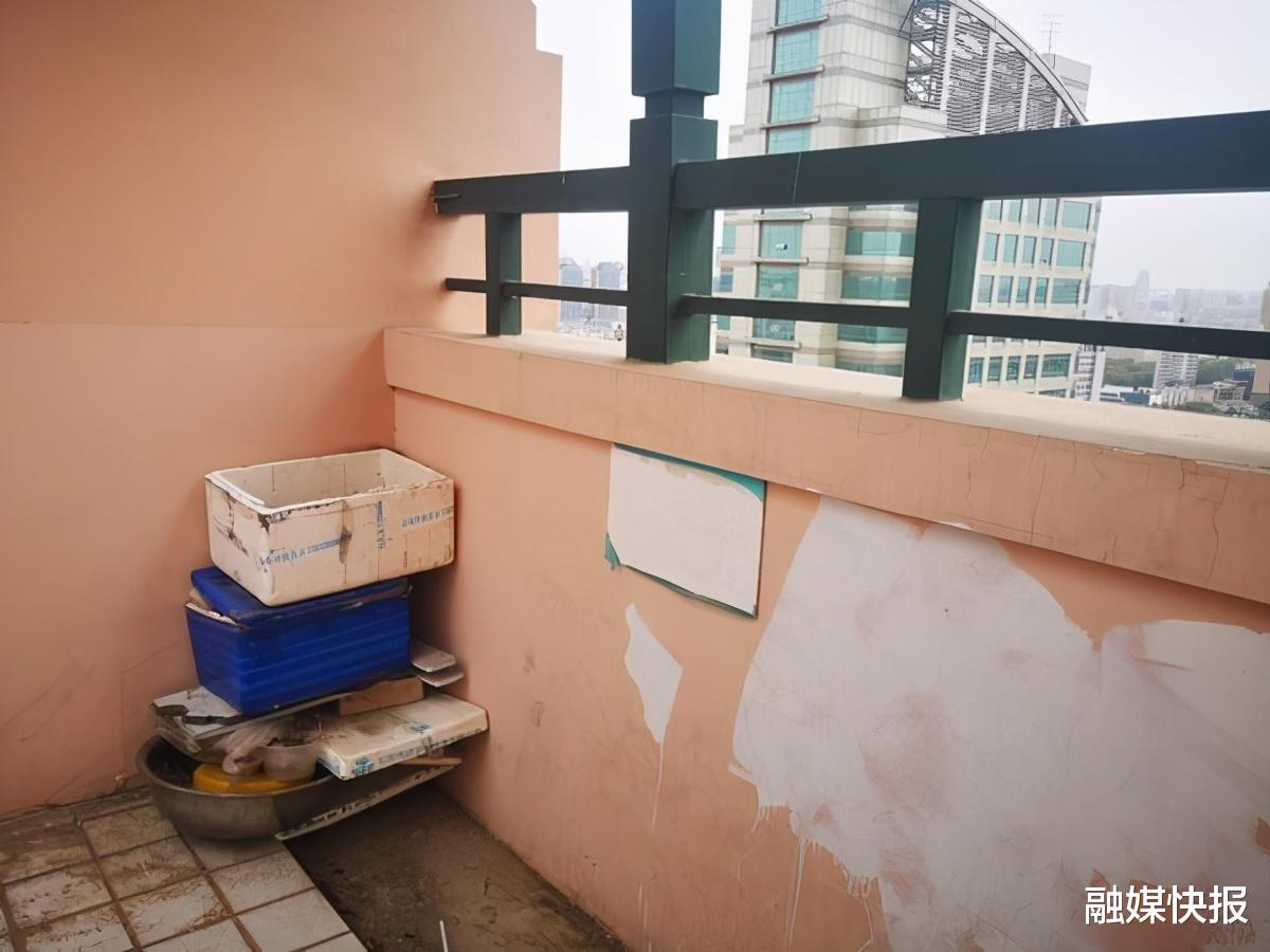 痛心! 河南鄭州初一女孩從小區29樓跳下墜亡, 地面瞬間被染紅-圖2