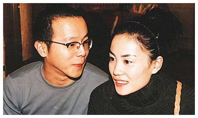 51歲的王菲贏瞭李亞鵬和謝霆鋒! 46歲的周迅為何輸的這麼慘?-圖2