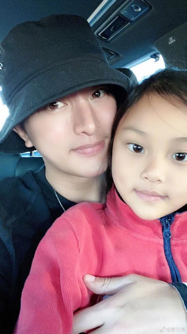 李小璐為女兒慶生, 母女拍古風寫真, 8歲甜馨出落大方淑女范十足-圖13