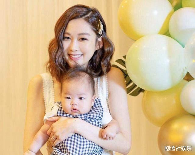 前TVB花旦岑麗香再被質疑整容, 眼距越來越近, 嬰兒肥消失不見-圖2