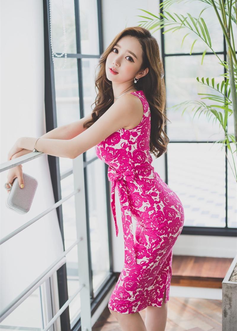孙允珠搭配紫红连衣裙, 网友: 这时尚太美 5