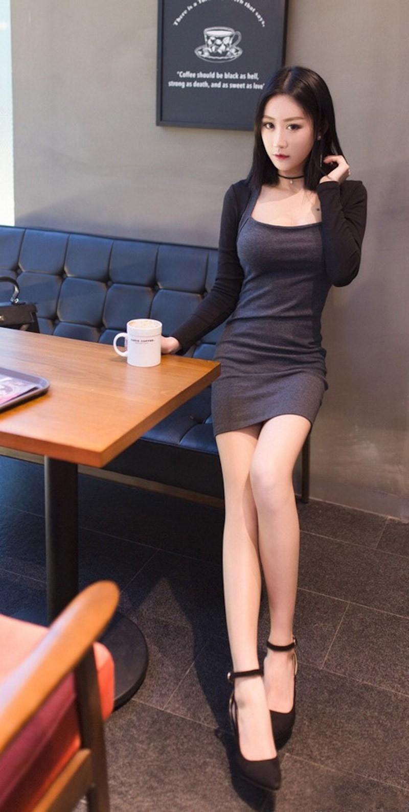 女神穿得如此凉快, 小细腰长腿的诱惑一般人躲不了 7