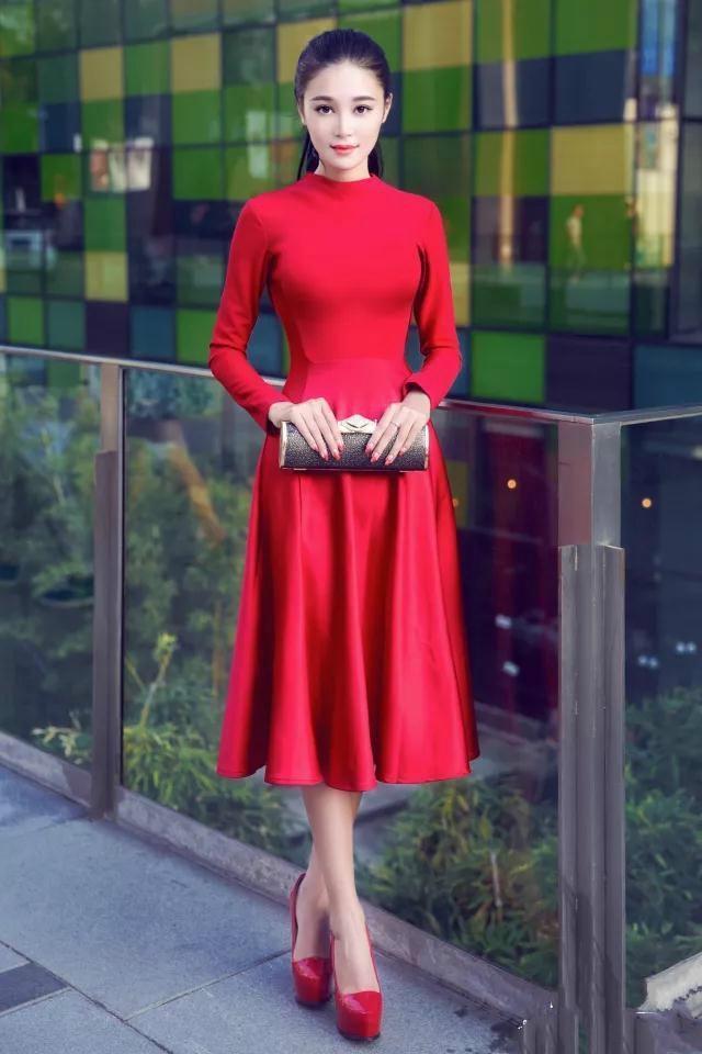 一套符合你气质红色连衣裙, 让你靓丽每一刻! 4
