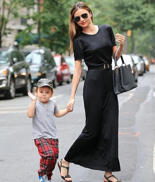 超模米兰达可儿宣布怀二胎, 辣妈时尚在她身上绝对是真理 6
