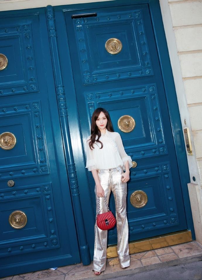 唐嫣又一次穿出了时尚新高, 这条裙子是要火的节奏吗? 3