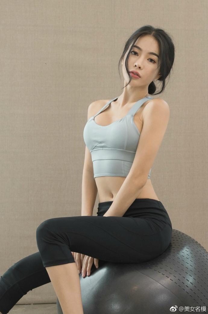 运动中的女人总是格外的迷人, 运动装功不可没 5