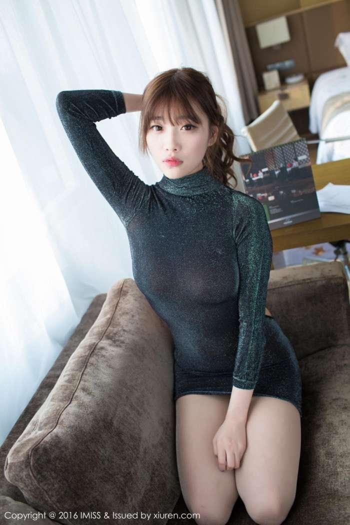 惊艳, 黑色亮丝包臀短裙, 展现你美好的身材 4