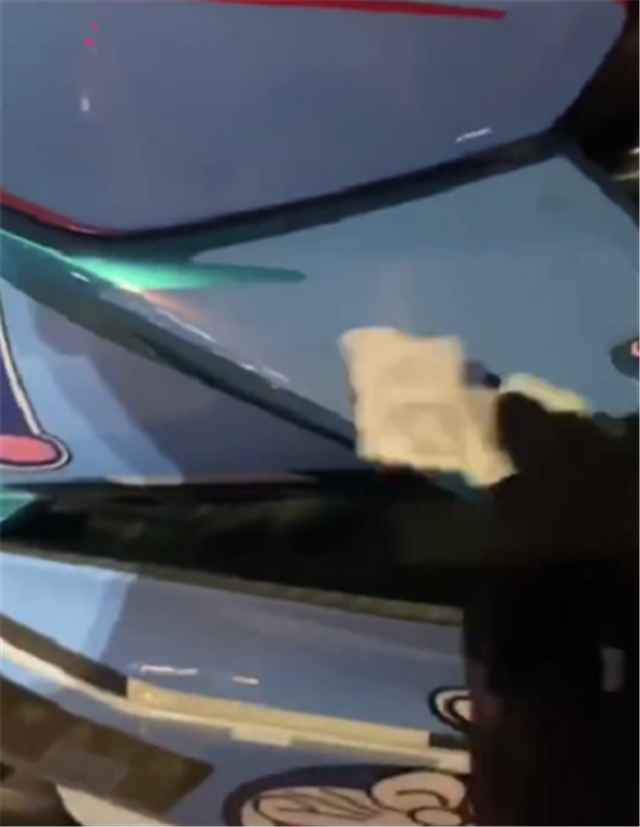 """""""哆啦A夢""""版畫的春風250SR, 國內首臺, 上街很拉風-圖2"""