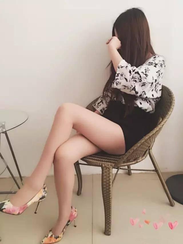 花色高跟鞋搭配丝袜, 真美! 6