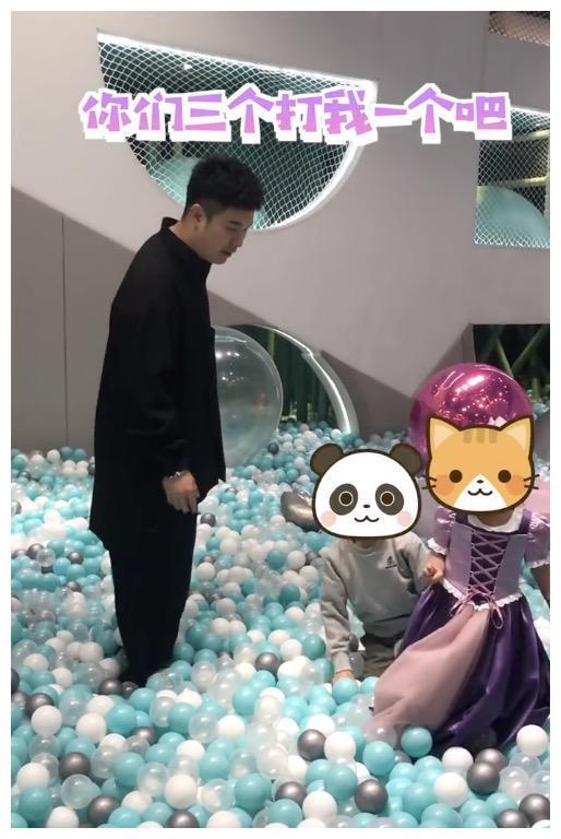 陳赫為4歲女兒慶生, 被曝包下整個遊樂園, 與鄧超玩得比孩子開心-圖8