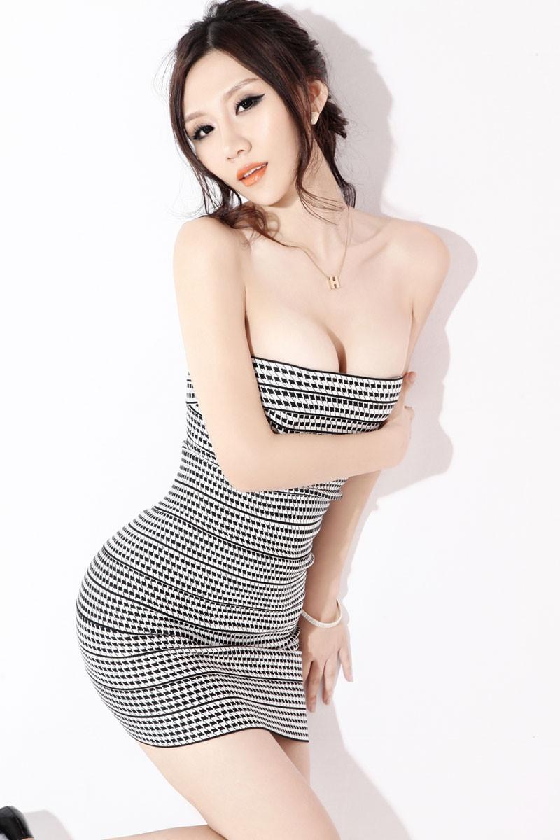 紧身裙秀出女人身材好, 穿出不一样的风情