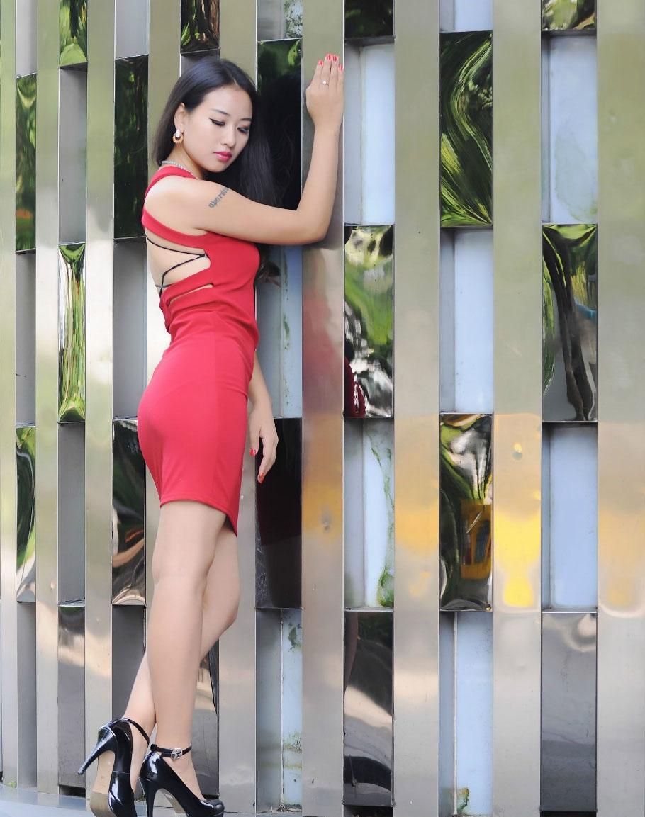 紧身裙秀出女人身材好, 穿出不一样的风情 4