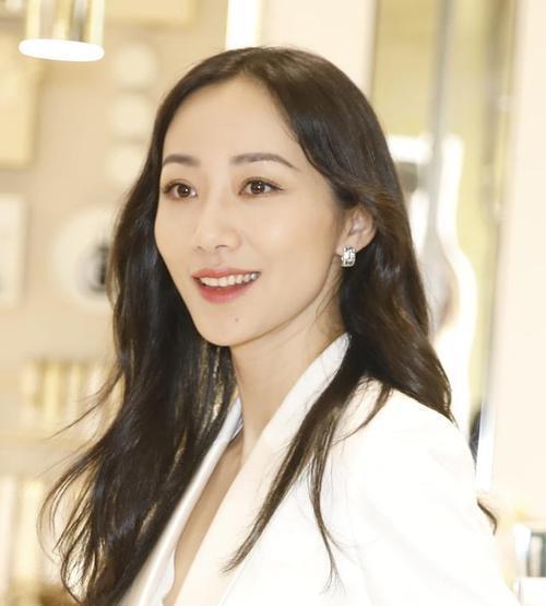 盤點中國娛樂圈10位83年出生女明星, 都已經是38歲的大齡女青年瞭-圖1