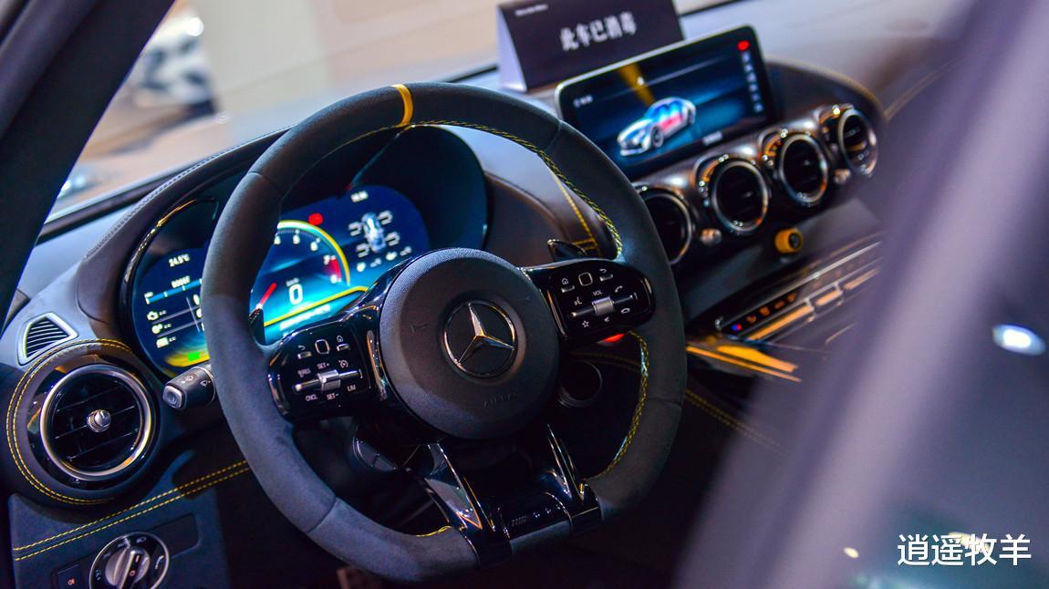 2019款奔馳AMG-GTR(啞光灰)解析: 它不愧是一臺婀娜多姿的轎跑車-圖4