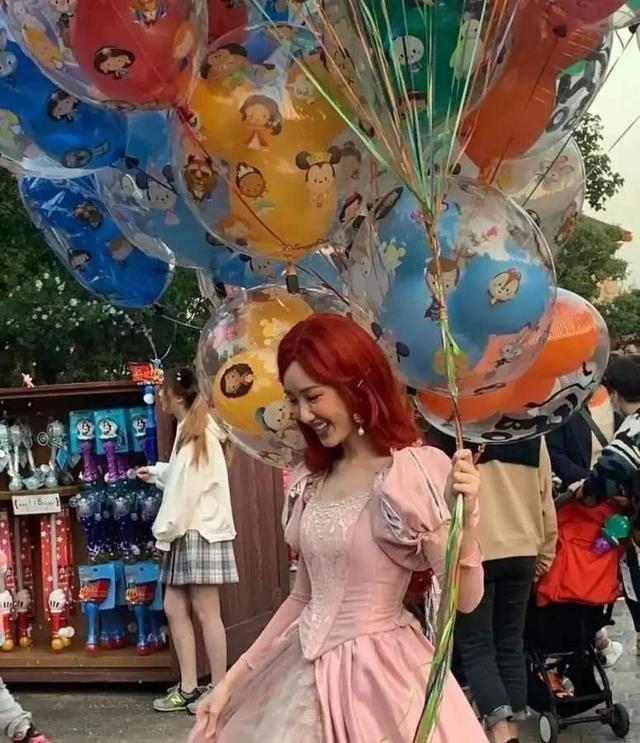 毛曉彤cos迪士尼公主太仙瞭! 淺淺的微笑太甜瞭, 在逃公主本人-圖5