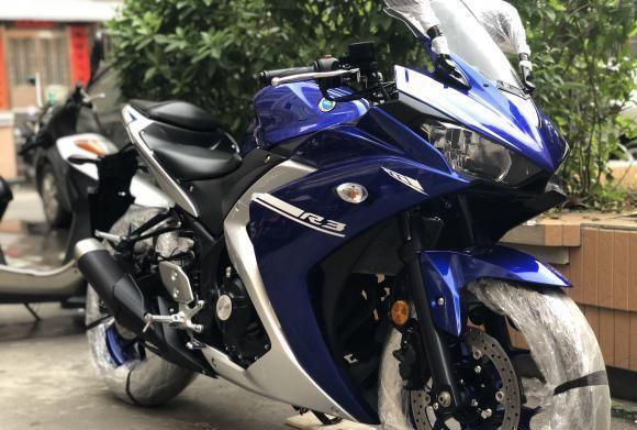 它是榮耀級跨騎! 320cc雙缸水冷, 高速穩如牛, 4.6萬貴嗎-圖2