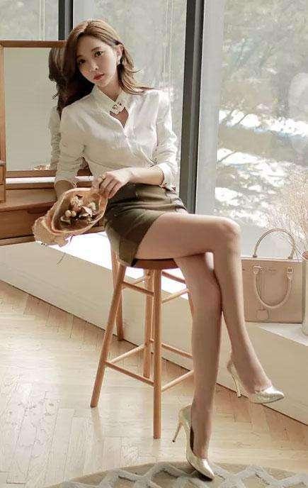 包臀裙迷人姿态, 凸显女性独有的财富人生时尚品位 1